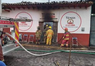 Se incendia pitzzeria en Acuatizo