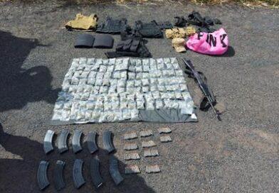 Elementos de la 21 zona Militar aseguran vehículos con drogas y armamento en Yurecuaro