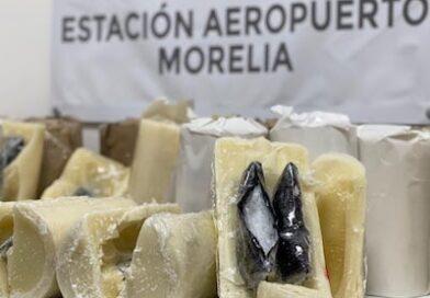 Localizan droga al interior de veladoras en el Aeropuerto J Mugica