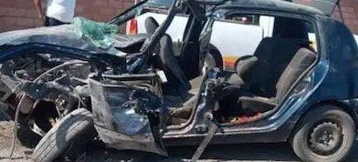 Muere hombre tras chocar su auto contra la barda de un kínder en Huetamo