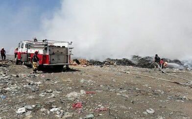 Intentan mitigar incendio en relleno sanitario de Múgica