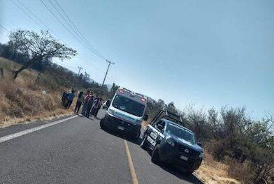 Muere mujer tras salir proyectada de una motocicleta, en Zinapécuaro