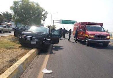 5 lesionadas saldo de choque entre dos vehículos en Apatzingán