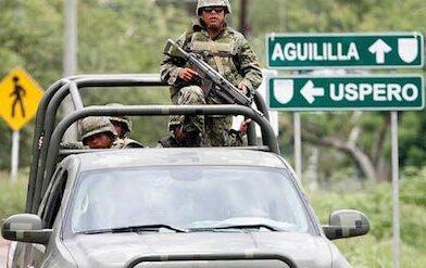 Muere 2 militares tras enfrentamiento con delincuentes, en Aguililla