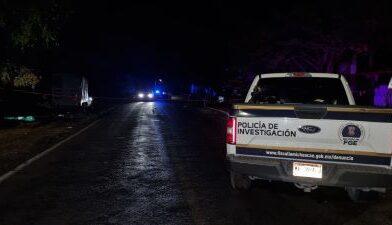Hallan a hombre muerto a un costado de carretera, en Zinapécuaro